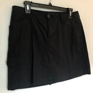 St. John's Bay Ladies Black Skort - Size 8